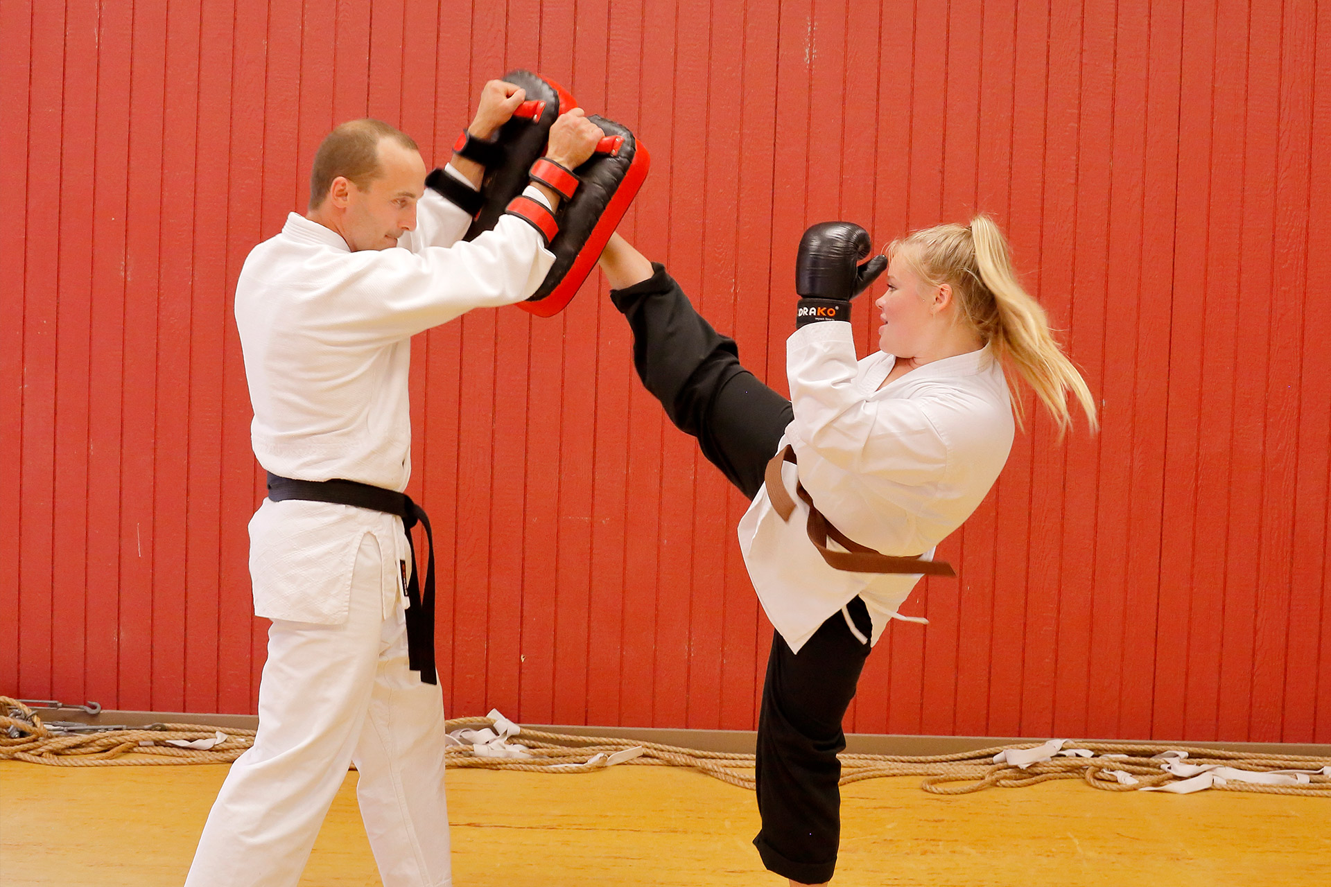 //hastingsmartialarts.ca/wp-content/uploads/2018/02/Kids-Karate-intermediate-2.jpg